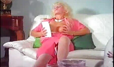 सेक्स पर पत्नी के विशेषज्ञ ब्लू पिक्चर सेक्सी मूवी के साथ जवान औरत को धोखा दे