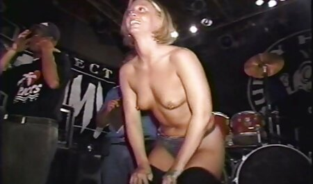 पतला आदमी डॉक्टर के कार्यालय में शिक्षक सेक्सी वीडियो मूवी पिक्चर और नर्स के साथ बतख था,