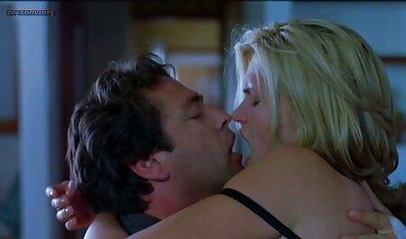 पुराने सेक्सी वीडियो मूवी पिक्चर और युवा लड़की के मुंह रोकना