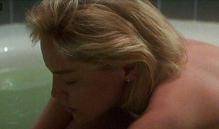 बाथरूम में युवा सेक्सी मूवी इंग्लिश पिक्चर