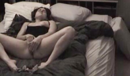 सुंदर लड़की घर का कपड़ा अश्लील उसके नग्न देखकर और उसके सेक्सी मूवी फिल्म पिक्चर प्रेमी को पथपाकर