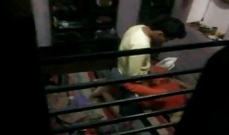 छोटे स्तन, एक जवान लड़की हिंदी मूवी सेक्सी पिक्चर के साथ सुबह में नींद के साथ सौंदर्य