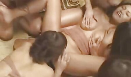 छात्र, एक चिकन, हिंदी सेक्सी मूवी पिक्चर फिल्म शिक्षक के पैरों को पथपाकर,