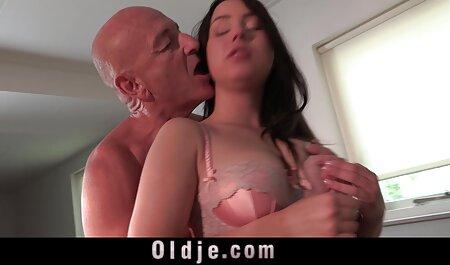 सुनहरे बालों हिंदी मूवी पिक्चर सेक्सी वाली उसके प्रेमी द्वारा बहकाया